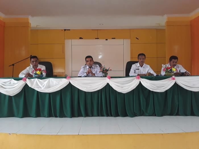 Pimpin Rapat Staf, H.M. Syatar Ingatkan ASN agar Tingkatkan Disiplin